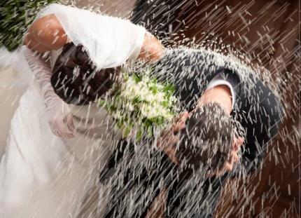Un matrimonio e tanti, ma tanti guai, 2
